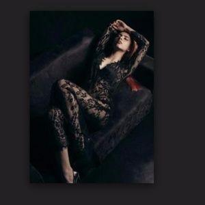 gorgeous black lace gown